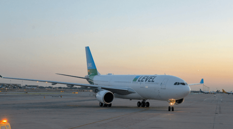 Level announces paris orly operations with four long haul for New york to paris flights